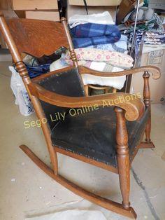Lot # : 280 - Vintage Quarter Sawn Rocking Chair