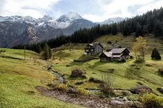 Start exploring Switzerland with Lonely Planet's video guide to getting around, when to go and the top things to do while you're there. Manitoulin Island, Bolivia Travel, Backpacking Asia, Beauty Life Hacks Videos, Countries To Visit, Beautiful Places To Visit, Lonely Planet, World Heritage Sites, Alps