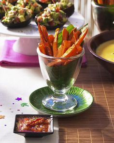 Rezepte aus Neuseeland setzen auf einheimische Produkte wie Süßkartoffeln, Fische, Meeresfrüchte, aber auch Fleisch von  Wild, Schwein und Lamm
