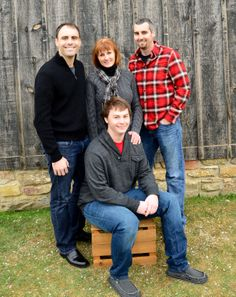 Mom and sons, grown siblings, brothers, photo ideas