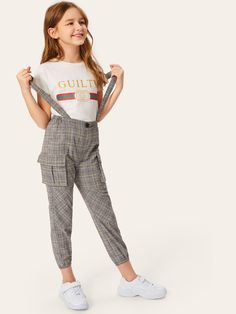 To find out about the Girls Flap Pocket Side Plaid Pants With Strap at SHEIN, part of our latest Girls Pants & Leggings ready to shop online today! Preteen Girls Fashion, Girls Fashion Clothes, Teenage Girl Outfits, Teen Fashion Outfits, Kids Outfits Girls, Teenager Outfits, Fashion Pants, Kids Fashion, Fall Fashion