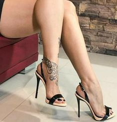🌍 💫 World of heels 💫 👠 ( Stilettos, Strappy High Heels, Hot High Heels, High Heel Boots, Stiletto Heels, Pumps, Beautiful High Heels, Gorgeous Feet, Beautiful Legs