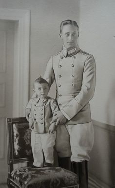 carolathhabsburg:  Retouched press image of Kronprinz Wilhelm of Prussia and eldest son, Prince Wilhelm. 1900s.