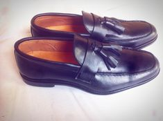 #loafers #pennyloafers #tassle #tassel #blackshoes #wedding #weddingshoes #traditionalwedding #onwithpride #classic #classicshoes #bespoke #bespokeshoes #fashion #menswear #office #officeshoes #officewear #owambe #gentleman #gentlemenstyle #stylish #madeinnigeria #madeinnaija #handmade #handmadeshoes @fourjayss @sirjhoe_official