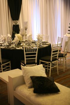 black and white wedding decor