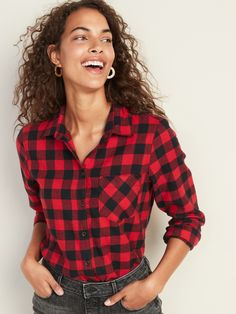 Old Navy Patterned Twill Classic Shirt for Women Cute Blouses, Shirt Blouses, Plaid Shirt Outfits, Plaid Shirts, Tailored Shirts, How To Stretch Boots, Old Navy Women, Clothes For Women, Classic