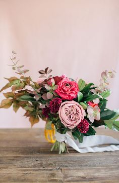 A DIY Wedding Bouquet you can actually make with flower recipe #fallwedding #foragedbouquet #diybouquet #peonies