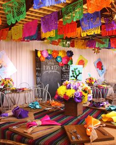 """Okay I'm obsessed with this! """"Fiesta"""" themed parties are very popular late. by Event & Party Planning 💐 Mexican Birthday Parties, Mexican Fiesta Party, Fiesta Theme Party, Taco Party, Birthday Celebration, Mexican Themed Weddings, Mexican Party Decorations, Reception Decorations, Thinking Day"""