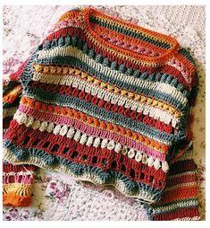 Crochet jumper in etnic style Pull Crochet, Crochet Jumper, Mode Crochet, Knit Crochet, Crochet Blouse, Crochet Baby, Hippie Pullover, Crochet Clothes, Diy Clothes