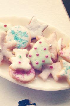 Christmas cookies 1:12  Dollhouse miniatures by Kim Saulter