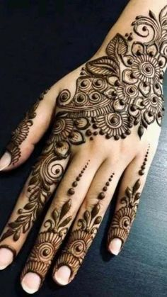 Wedding Henna Designs, Pretty Henna Designs, Indian Henna Designs, Latest Henna Designs, Finger Henna Designs, Henna Tattoo Designs Simple, Back Hand Mehndi Designs, Mehndi Designs For Girls, Mehndi Designs For Beginners