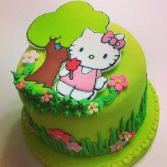 Torta con Fondant y pastillaje de Hello Kitty