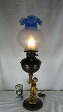 VINTAGE PARLOR BANQUET OIL LAMP--- VICTORIAN DECOR---ELECTRIFIED---1900-1930'S
