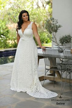 This romantic timeless curvy bridal gown will sertainly make you look flawless. Seline 2018