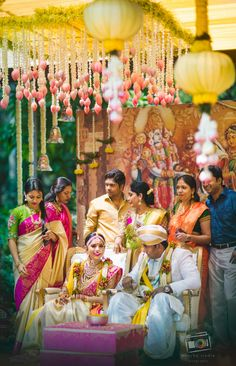 Ideas That Are Taking Over South Indian Decor! (Because We Are Tired Of Marigolds!) New Ideas That Are Taking Over South Indian Decor! (Because We Are Tired Of Marigolds! Telugu Wedding, Wedding Mandap, Desi Wedding, Wedding Venues, Indian Wedding Stage, Wedding Garlands, Wedding Altars, Indian Bridal, Wedding Ceremony