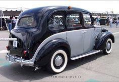 1958 FX3 Austin Taxi Vintage Cars, Antique Cars, Austin Cars, Old Lorries, Pretty Cars, Vintage London, Dream Garage, Big Trucks, Cool Cars