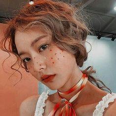 Aesthetic Women, Korean Aesthetic, Aesthetic Girl, Fancy Makeup, Makeup Looks, Pretty People, Beautiful People, Asian Cute, Ulzzang Korean Girl