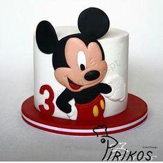 Coisa mais linda essa inspiração de bolo que vi no @ideiasdebolosefestas no tema Mickey Mouse. ...