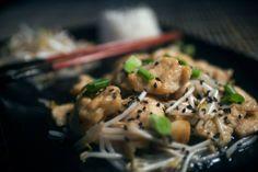 cucina cinese china chinese food cibo pollo chicken germogli di soia riso rise souce salsa dish cuisine recipe ricetta kitchen recipes chef cook easy