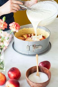 Sour cream cake with nectarines - Kuchen Backen - Rezepte - Baking Recipes, Cookie Recipes, Dessert Recipes, Summer Desserts, Summer Recipes, Torte Au Chocolat, Nectarine Recipes, Sour Cream Cake, How To Cook Pasta