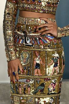 Outfit of the Week: Kerry Washington at the Vanity Fair Oscars party - Zuhair Murad Spring 2020 Haute Couture Egyptian-inspired embroidered crop top and column skirt - waistline Chanel Couture, Couture Fashion, Timeless Fashion, Fashion Beauty, Zuhair Murad Dresses, Egyptian Fashion, Kerry Washington, Weekly Outfits, Vanity Fair Oscar Party
