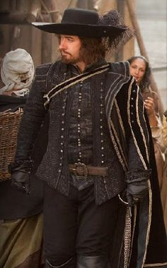 Matthew MacFadyen Athos