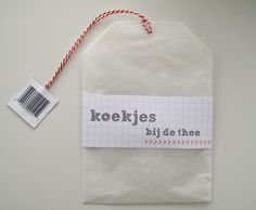 Inspiration: wrap your home made cookies in a wax paper (vliegerpapier) 'tea bag' cookie gift bag.