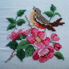 "Hatice okumuş on Instagram: ""Merhaba Çarşamba. Hello Wednesday. #crossstitch #çarpıişi #puntodecruz #pointdecroix #puntocroce #etamin #etaminişleme #kaneviçe…"" Folk Embroidery, Cross Stitch Designs, Instagram, Cross Stitch Embroidery, Free Cross Stitch Patterns, Dots, Dressmaking, Cross Stitch, Cross Stitch Patterns"