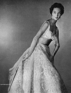 theniftyfifties:    Evelyn Tripp in a gown forBonwit Teller, 1953.