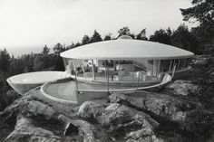 """Pleasure Dome House """"Villa Spies"""" designed in 1969 in Sweden. via space age planet Interior Architecture, Interior And Exterior, Villa, Dome House, Googie, Mid Century House, Mid Century Design, Beautiful Homes, Mid-century Modern"""