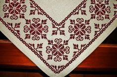 vintage linen embroidered table runner Floral Cross by Retroom Cross Stitch Art, Cross Stitch Borders, Cross Stitch Designs, Cross Stitching, Cross Stitch Embroidery, Cross Stitch Patterns, Embroidery Patterns Free, Crochet Stitches Patterns, Crochet Motif