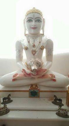 Temple Room, Home Temple, Pooja Room Design, Jain Temple, Pooja Rooms, Goddess Lakshmi, Buddhist Art, Indian Gods, Statue