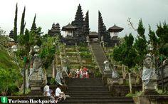 Pura Besakih / Turismo Backpacker / Blog de dicas de viagem de mochilão