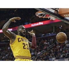 King James became the 14th player in NBA history to make 10000 career field goals. #dhtk #repre23nt #donthatetheking http://ift.tt/2j7XZAK