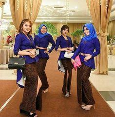 Kebaya Kutu Baru Modern, Kebaya Brokat, Model Kebaya, Bridesmaid, Women's Fashion, My Favorite Things, Wedding, Style, Long Dress Party