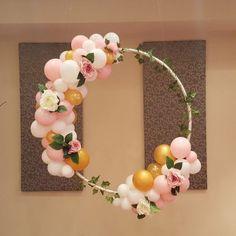 DIY Floral Balloon Hula Hoop Wreath