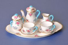 Crown Staffordshire Porcelain (United Kingdom) — Tea set with tray (3756×2504)