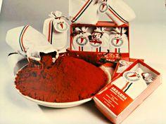 A Pick szalámi és a szegedi paprika története. Chocolate Fondue, Desserts, Food, Red Peppers, Meal, Deserts, Essen, Hoods, Dessert