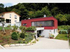 Hausansicht Kundenhaus Familie Breitenbach. Modernes Bauhaus mit Flachdach