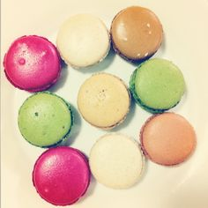 Macarons from Fauchon Easter Eggs, Sweets, Cookies, Desserts, Food, Sweet Pastries, Crack Crackers, Tailgate Desserts, Biscuits