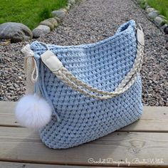 Marvelous Crochet A Shell Stitch Purse Bag Ideas. Wonderful Crochet A Shell Stitch Purse Bag Ideas. Crochet Purses, Crochet Doilies, Crochet Yarn, Bobble Stitch, Crochet Shell Stitch, Do It Yourself Inspiration, Crochet T Shirts, Crochet For Beginners Blanket, Bag Pattern Free