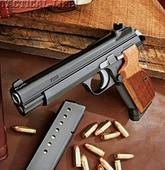 SWISS ARMY'S TIMELESS PISTOLS SiG P210