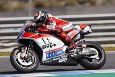'Começo a sentir que é a minha moto' - Lorenzohttp://www.motorcyclesports.pt/comeco-sentir-minha-moto-lorenzo/