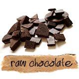 Chocolade wordt gemaakt van de cacaoboon (zaad van de cacaoboom). Chocolade is het best bekende product van cacaoa. Raw chocolate is chocolade die bij het maken niet boven de 42 graden wordt verwarmd.
