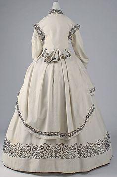 Dress (front view) | Great Britain, circa 1865 | Materials: cotton, wool | The Metropolitan Museum of Art, New York