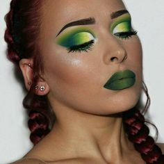 Nice green and blue makeup and red hair women ladies womens fashion lady woman DIY videos tutorial make lipstick makeup lover cosmetics lips eyes looks divas Eye Makeup Steps, Day Makeup, Love Makeup, Makeup Inspo, Makeup Art, Makeup Inspiration, Makeup Looks, Stunning Makeup, Makeup Quiz