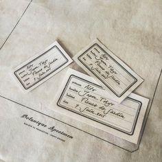 押し花標本用のバック紙とラベル作り。