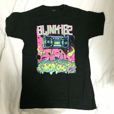 Black Blink-182 Band T-Shirt This Blink-182 Band T-shirt is in great condition- it's never been worn, which means its print is perfectly durable. Hot Topic Tops Tees - Short Sleeve