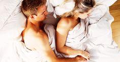 Wie man sich bettet, so liebt man? Stimmt! Wir verraten, was eure Schlafposition über eure Beziehung aussagt!