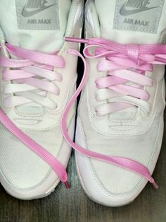 Nike airmax with gradient shoelaces <3 Shoes makeover costs only $0.53 with pink ombre laces from aliexpress.